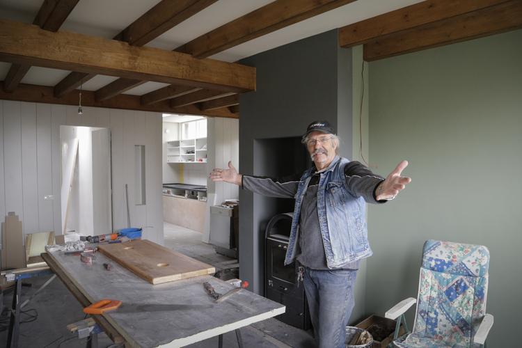 Cees Besseling verduurzaamt zijn woning: 'Trots op dat we niets aan energie betalen'